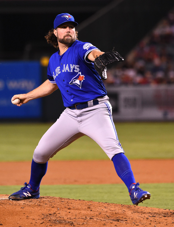 Braves Sign R.A. Dickey - MLB Trade Rumors