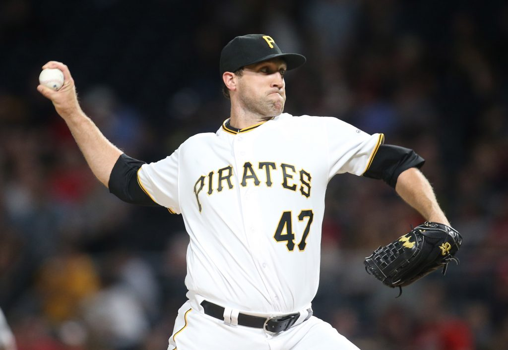 Josh Lindblom Eyeing MLB Return